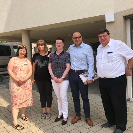 Besuch von Pflegeeinrichtungen im Landkreis LDS gemeinsam mit Frau Roswitha Schier MdL